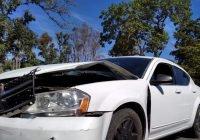 Choca vehículo de la Fiscalía en la ciudad de Colima, hay varios heridos