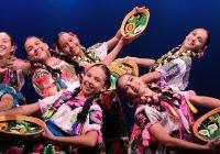 Con festival artístico, festeja UdeC a las mamás en su día