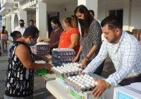En Armería, benefician a más de mil familias Salvador Bueno y Griselda Valencia de la Mora con productos de la canasta básica