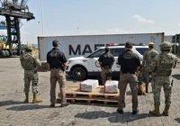 Armada de México, la aduana y fiscalía general de la república decomisa más de 100 kilogramos de cocaína, en Manzanillo, Colima