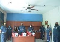 Alcalde Rafael Mendoza entrega material y equipo de trabajo a personal de PC municipal