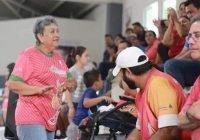 Convoca Incode al Concurso de la Abuela o el Abuelo Más Fan de su familiar deportista