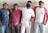 Viralizan historia de albañil que se graduó como enfermero en Yucatán