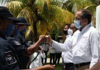 Gobernador entrega patrullas, equipo de protección e incentivos a policías estatales