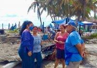 Ante la tragedia en Cuyutlán, la Regidora Blanca Ortiz otorga apoyo alimentario a quienes perdieron sus negocios