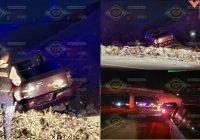 Cae camioneta de puente a desnivel en Tecomán; reportan una mujer y dos hombres lesionados