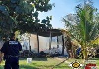 Se incendia casa en Cerro de Ortega a causa de veladora; solicitan apoyo para la familia
