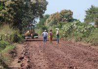 Entrega Alcalde Elías Lozano rehabilitación de 6.5 kilómetros de caminos saca cosecha que conecta a Cofradia de Morelos con cofradía de Hidalgo