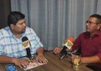 Jaime Salinas sigue trabajando cerca de los manzanillenses