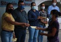 Entregamos apoyo a 150 jefas y jefes de familia en el municipio: Alcalde Carlos Carrasco