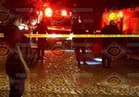 Policía de Comala balea en Suchitlán a joven que se resistió a arresto y lo agredió con piedras