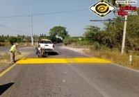 Instala Ayuntamiento de Tecomán reductores de velocidad en Libramiento