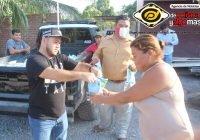 Regala Chava Bueno mil litros de leche a 500 familias de Armería