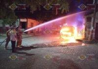 Se incendia camioneta en Armería, el fuego alcanza 2 casas, 1 vehículo y 1 torton