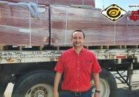 Ofrece Santiago Chávez, láminas a bajo costo en Tecomán