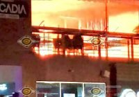 """Se incendia bar """"Arcadia"""" en Tercer Anillo de Colima"""