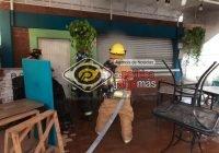Se incendia restaurante en Las Brisas, Manzanillo; Bomberos y Protección Civil controlan