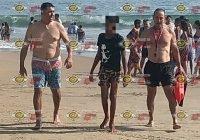 Rescatan a joven de morir ahogado en Miramar, Manzanillo