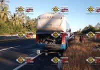 Autobús turístico se incendia en carretera Manzanillo-Colima