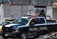 Dejan a bebé y un niño adentro de un carro, en el centro de Colima; personas los rescatan
