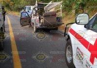 Chocan de frente en la carretera Jalipa-Minatitlán; dos personas lesionadas