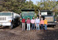 Entrega Ayuntamiento de Tecomán tres camiones de volteo para obras públicas