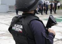 Policías estatales detienen a dos que despojaban de sus tarjetas a usuarios de un cajero automático