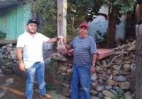 Inicia el Presidente Salvador Bueno Arceo este año apoyando a familia que se desplomó el techo de su vivienda