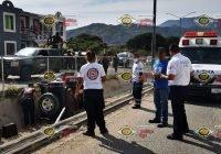 Vehículo cae a canal en Valle Paraíso, Manzanillo; No hay lesionados