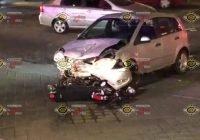 Choque deja a dos motociclistas lesionados frente a KFC y Walmart, Manzanillo