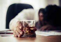 Consumo de alcohol no disminuye el riesgo de contagio por Covid-19