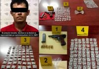En Manzanillo, FGE detiene a hombre con arma de fuego y 140 dosis de metanfetamina