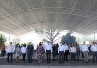 Gobernador entrega obras en escuelas y despensas a estudiantes