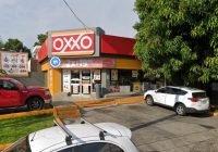 Sujeto asalta Oxxo ubicado frente al Jardín de San Francisco, en Colima