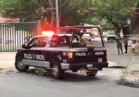 Con navaja en mano, dos hombres asaltan Kiosko de calle Reforman, en Tecomán