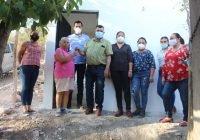 Beneficia presidente Carlos Carrasco a familias de bajos recursos con mejoramiento de vivienda