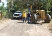 Rehabilita Salvador Bueno 15 kilómetros de camino saca cosecha en Cuyutlán