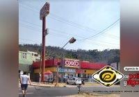 A punta de pistola, asaltan Oxxo de Bellavista en Manzanillo; se llevan 5 mil pesos