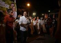 Seré un gobernador que despache desde Manzanillo: Locho Morán