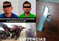 En Armería dos detenidos con arma de fuego y droga
