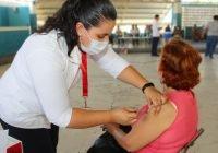 Vacunación contra Covid-19 en Cuauhtémoc y Tecomán