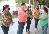 Más de 600 familias del municipio reciben del Alcalde Carlos Carrasco apoyo de programas sociales