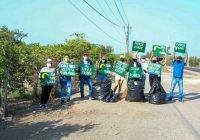 Coloca el Verde letreros para concientizar sobre el cuidado del medio ambiente en Tecomán