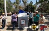 """Develan en cancha del Parque Hidalgo placa en honor a Roberto González """"El Champión"""""""