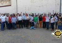 En Manzanillo, maestros realizan caravana pacífica para exigir pagos en salarios mínimos