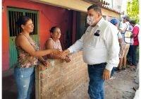 Carlos Carrasco recibe respaldo de familias de La Presa