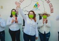 Yolanda Llamas se registra como candidata a la alcaldía de Tecomán ante el Consejo Municipal Electoral