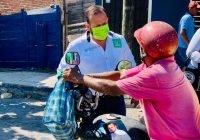 El Doctor Javier Orozco, busca el apoyo de la gente casa por casa