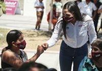 Programas sociales, puerta de la esperanza para todas las familias: Indira Vizcaíno