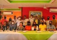 Asociación de Colegios de Manzanillo respaldan a Virgilio Mendoza e Irene Herrera